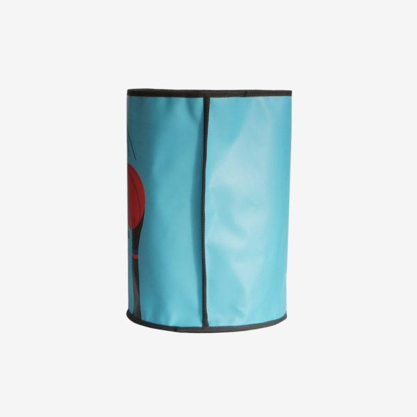 16 dos de corbeille bleue en bache publicitaire recyclee reversible eco design