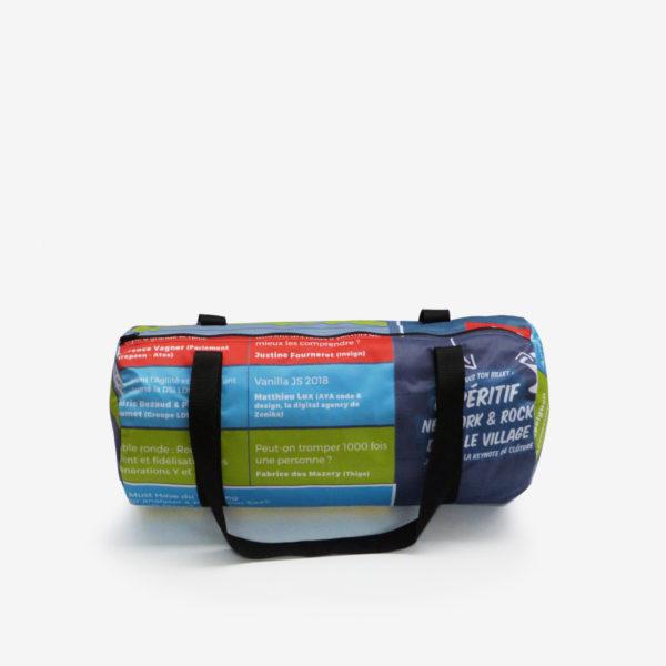 28 sac de sport en toile publicitaire.
