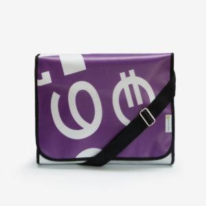 96 Sacoche violette en bâche publicitaire.