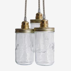 Suspension avec trois bocaux le Parfait. Couvercle doré et fil textile beige.