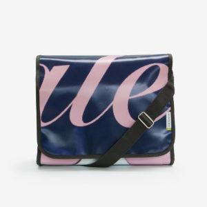 1-Sacoche graphique en bâche publicitaire bleu et rose.