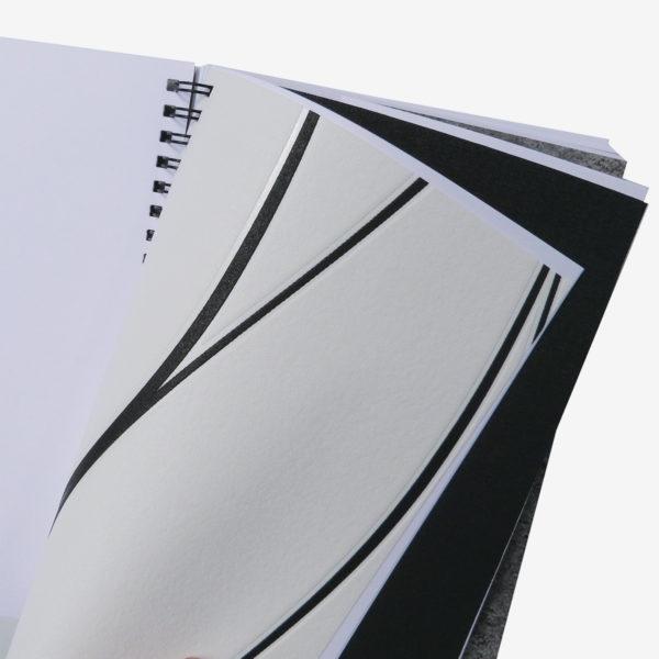 10 Intérieur de carnet en papier peint recyclé graphique.