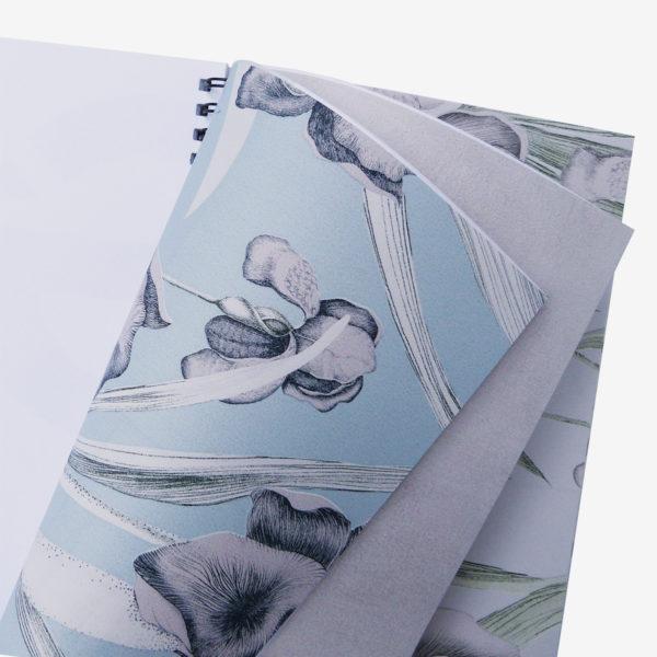 15 Pages intérieures carnet en papier peint recyclé fleuri.